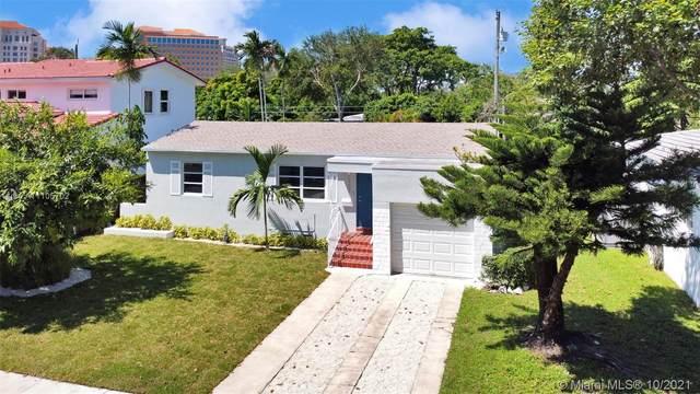 1900 Coral Gate Dr, Miami, FL 33145 (MLS #A11105702) :: Rivas Vargas Group