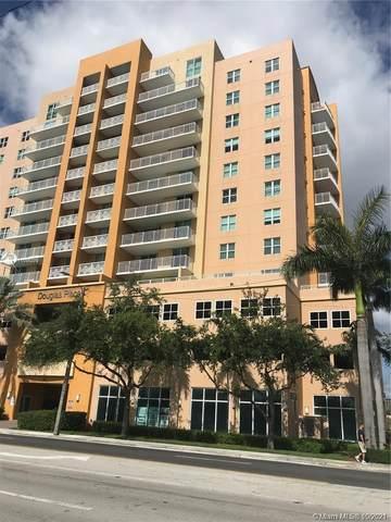 60 NW 37th Ave #1203, Miami, FL 33125 (MLS #A11106279) :: The MPH Team
