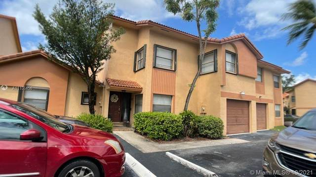 942 SW 112th Ter, Pembroke Pines, FL 33025 (MLS #A11106456) :: Rivas Vargas Group