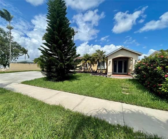10421 SW 141st Dr, Miami, FL 33176 (MLS #A11106623) :: Rivas Vargas Group