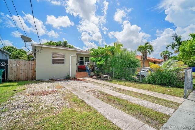 2800 SW 25th St, Miami, FL 33133 (MLS #A11106632) :: Rivas Vargas Group