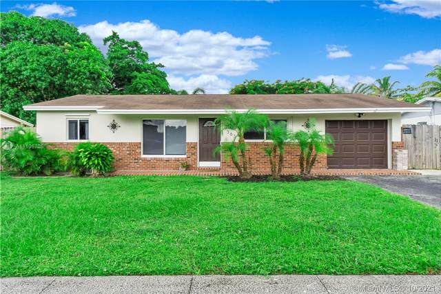 363 SW 65th Ave, Margate, FL 33068 (MLS #A11106705) :: Re/Max PowerPro Realty