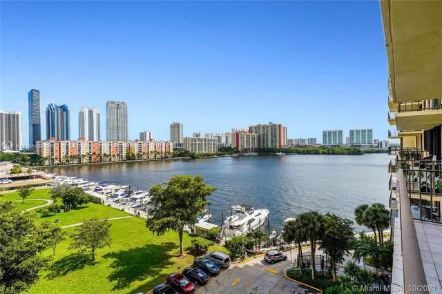 290 174th St #816, Sunny Isles Beach, FL 33160 (MLS #A11106959) :: Berkshire Hathaway HomeServices EWM Realty