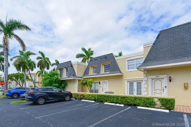 2203 NE 7th St #14, Hallandale Beach, FL 33009 (MLS #A11107093) :: Castelli Real Estate Services