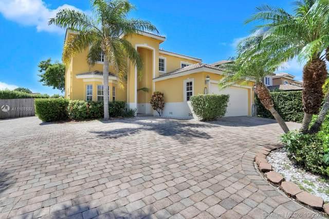 8878 SW 211th Ln, Cutler Bay, FL 33189 (MLS #A11107532) :: Castelli Real Estate Services