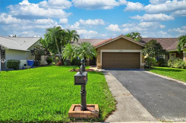 2444 NW 94th Ave, Coral Springs, FL 33065 (MLS #A11107542) :: Berkshire Hathaway HomeServices EWM Realty