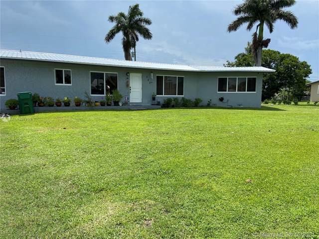 250 SW 6th Ave, South Bay, FL 33493 (MLS #A11107799) :: Re/Max PowerPro Realty
