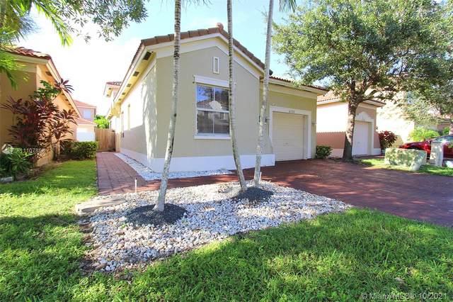 2120 NE 37th Rd, Homestead, FL 33033 (MLS #A11107808) :: Rivas Vargas Group