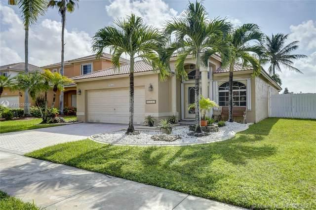 20557 SW 2nd St, Pembroke Pines, FL 33029 (MLS #A11108058) :: Rivas Vargas Group