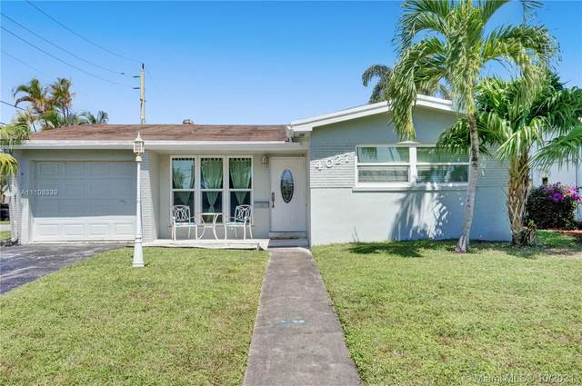 4027 Lincoln St, Hollywood, FL 33021 (#A11108339) :: Posh Properties
