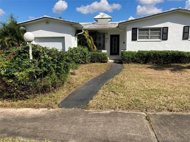 845 NW 87th St, Miami, FL 33150 (MLS #A11108359) :: Jose Laya