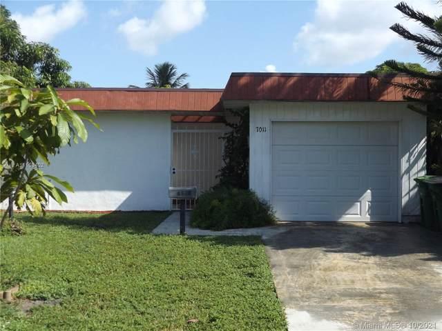 7011 NW 63 CT, Tamarac, FL 33321 (MLS #A11108402) :: ONE   Sotheby's International Realty