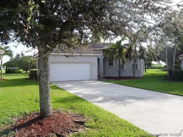 2707 Augusta Dr, Homestead, FL 33035 (MLS #A11108557) :: Castelli Real Estate Services