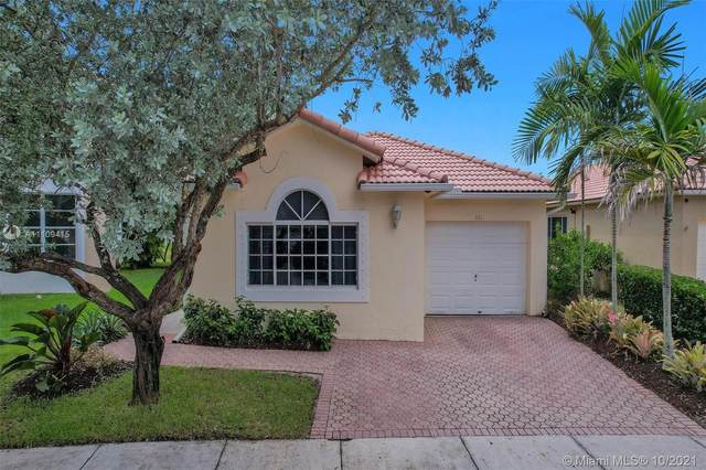 111 Danielle Ct, Weston, FL 33326 (MLS #A11109415) :: The Pearl Realty Group