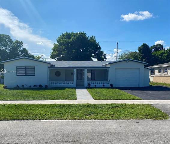 4261 NW 36th Ter, Lauderdale Lakes, FL 33309 (MLS #A11109436) :: Castelli Real Estate Services