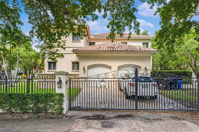2715 Cordova St, Coral Gables, FL 33134 (MLS #A11109576) :: The Pearl Realty Group