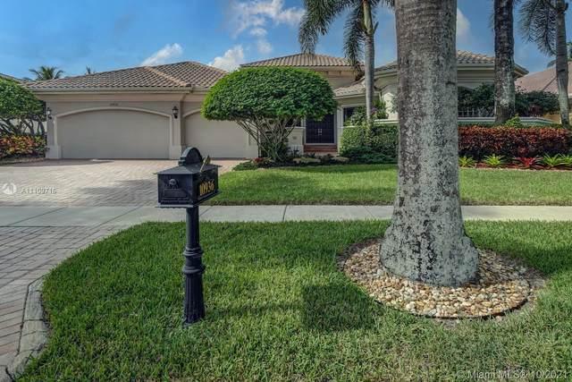 10936 Blackhawk St, Plantation, FL 33324 (MLS #A11109716) :: The Pearl Realty Group