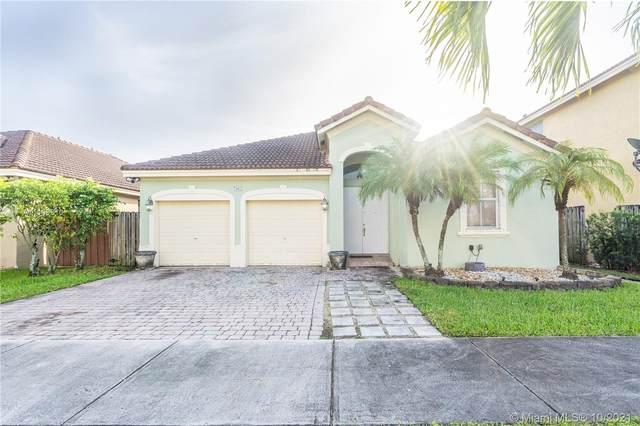 7965 SW 164th Pl, Miami, FL 33193 (MLS #A11109810) :: Rivas Vargas Group