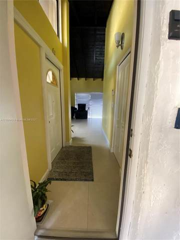 8318 N Missionwood Cir, Miramar, FL 33025 (MLS #A11109942) :: Castelli Real Estate Services