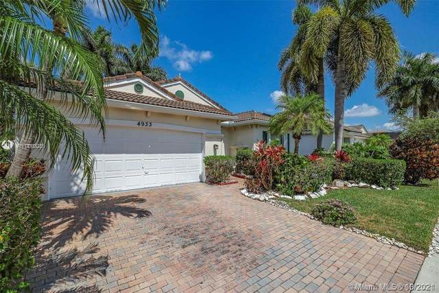 4933 SW 33rd Way, Hollywood, FL 33312 (MLS #A11110049) :: Castelli Real Estate Services