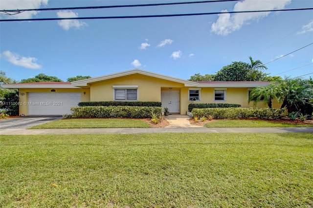 1121 N 40th Ave, Hollywood, FL 33021 (#A11110070) :: Posh Properties