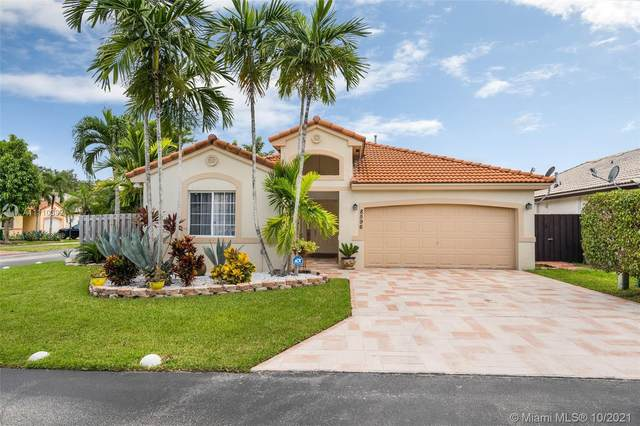 8596 SW 157th Ct, Miami, FL 33193 (MLS #A11110392) :: The Pearl Realty Group