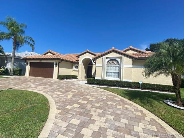 9375 Lake Serena Dr, Boca Raton, FL 33496 (MLS #A11110463) :: Castelli Real Estate Services