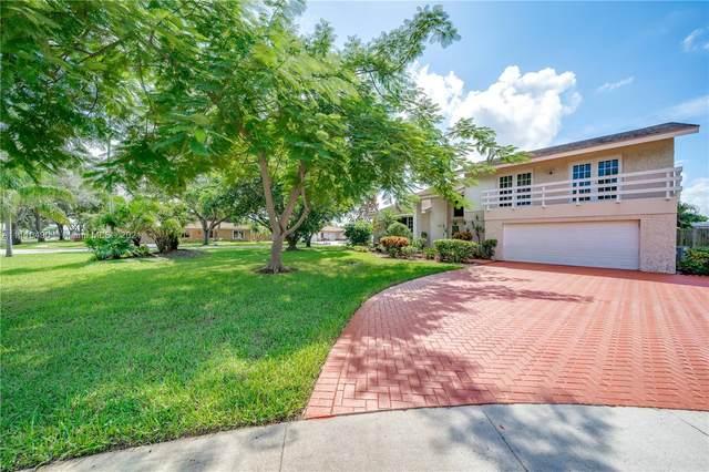5460 SW 17th St, Plantation, FL 33317 (MLS #A11110490) :: Search Broward Real Estate Team