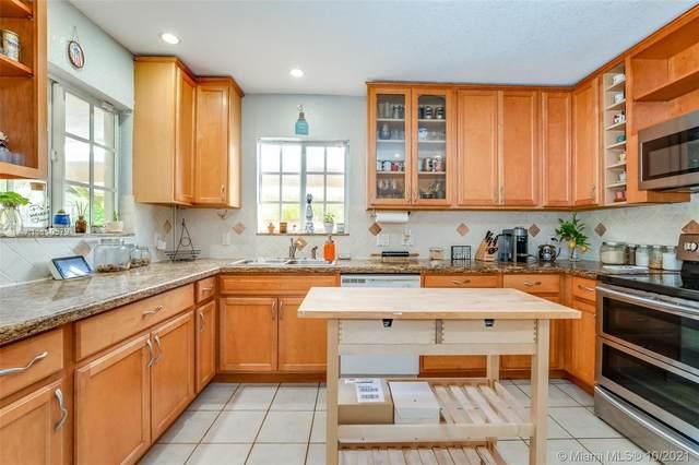 2826 Dewey St, Hollywood, FL 33020 (MLS #A11110579) :: Castelli Real Estate Services
