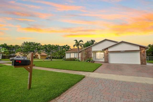 4813 SW 119th Ter, Cooper City, FL 33330 (MLS #A11110740) :: Castelli Real Estate Services