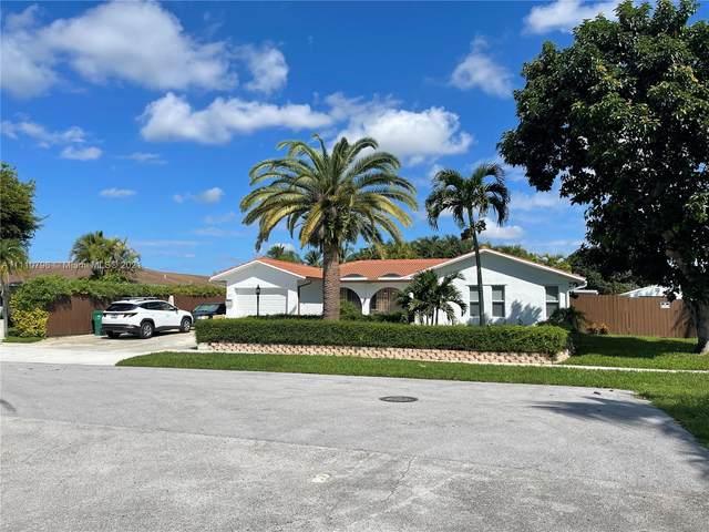 9921 SW 108th St, Miami, FL 33176 (MLS #A11110796) :: Castelli Real Estate Services