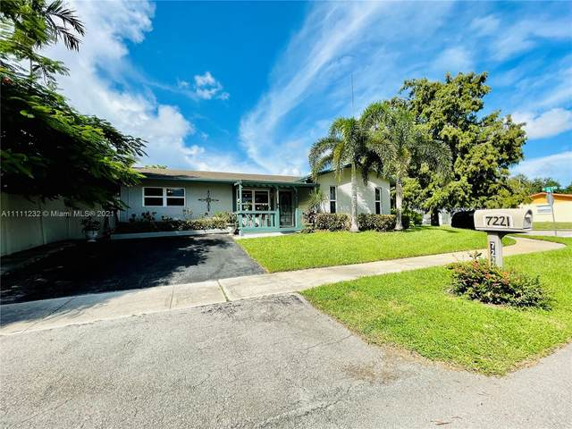 7221 Cody St, Hollywood, FL 33024 (MLS #A11111232) :: Berkshire Hathaway HomeServices EWM Realty