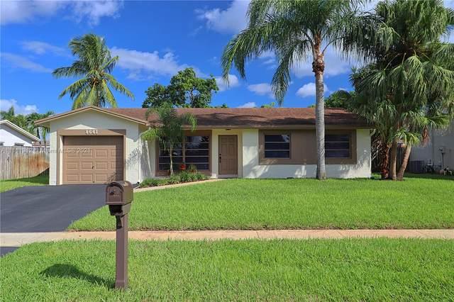 8641 NW 8th St, Pembroke Pines, FL 33024 (MLS #A11111312) :: Re/Max PowerPro Realty