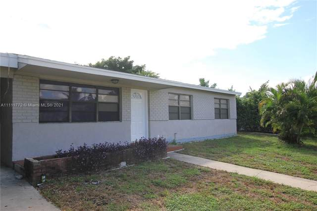 820 Cochran Dr, Lake Worth, FL 33461 (#A11111772) :: Posh Properties