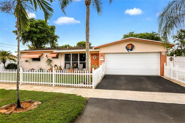 804 NW 8th St, Dania Beach, FL 33004 (MLS #A11111941) :: Jose Laya