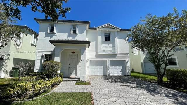 2925 NE 2nd Dr, Homestead, FL 33033 (MLS #A11112093) :: Search Broward Real Estate Team