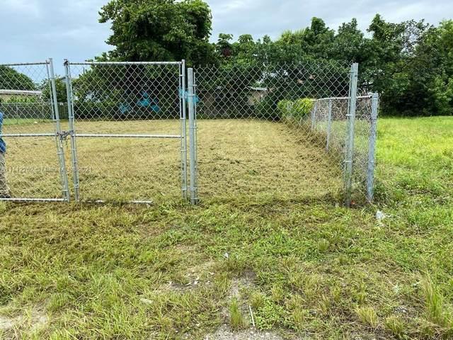 1541 NW 69th Ter, Miami, FL 33147 (MLS #A11112262) :: Jose Laya