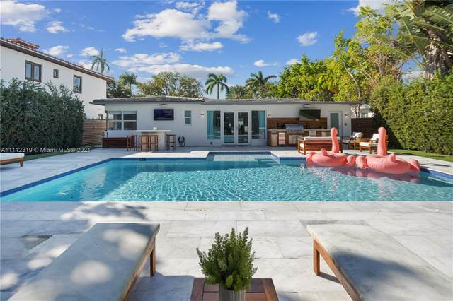 5225 N Bay Rd, Miami Beach, FL 33140 (MLS #A11112319) :: Castelli Real Estate Services