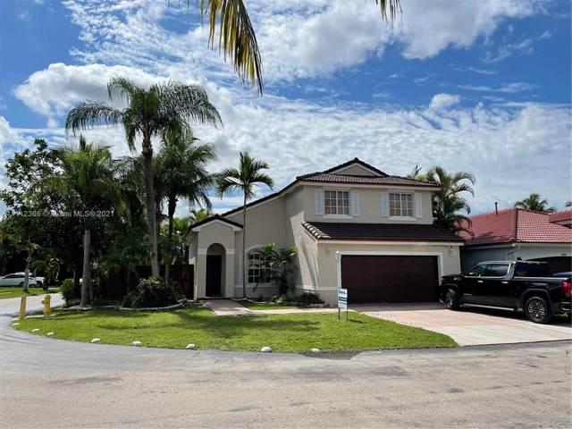 15916 SW 82nd St, Miami, FL 33193 (MLS #A11112366) :: Jose Laya