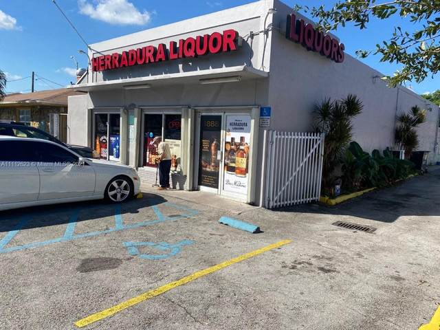 1670 Palm Ave, Hialeah, FL 33010 (MLS #A11112623) :: The Jack Coden Group