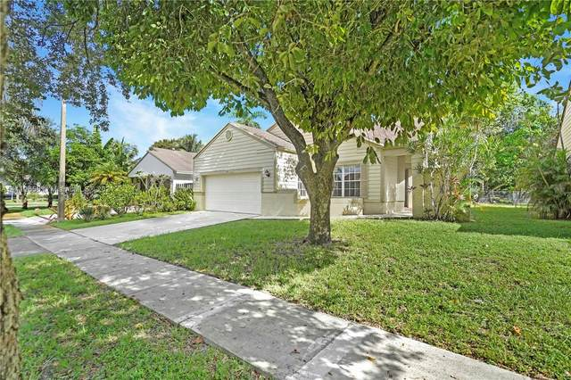 1211 SW 84th Ter, Pembroke Pines, FL 33025 (MLS #A11112658) :: Castelli Real Estate Services