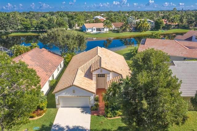 452 Cameron Dr, Weston, FL 33326 (MLS #A11112903) :: All Florida Home Team