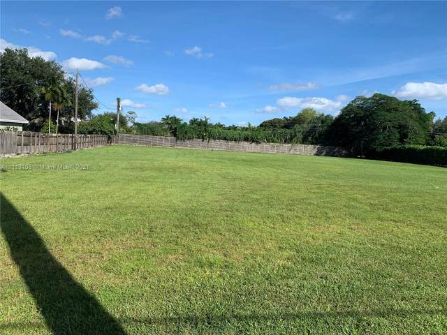 9425 SW 97th Ave, Miami, FL 33176 (MLS #A11113108) :: GK Realty Group LLC