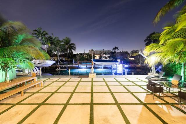 7990 W Hawthorne Ave, Miami Beach, FL 33141 (MLS #A11113995) :: Castelli Real Estate Services