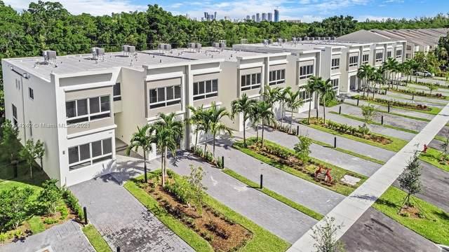2475 NE 135th St, North Miami, FL 33181 (MLS #A11114242) :: Green Realty Properties