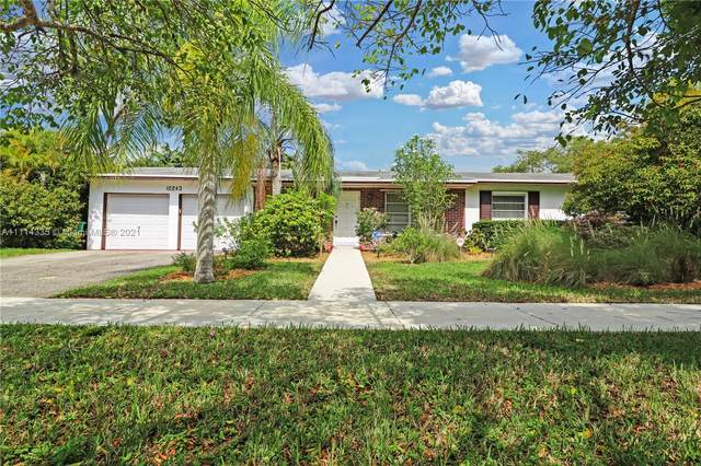 10243 SW 120th St, Miami, FL 33176 (MLS #A11114335) :: Prestige Realty Group