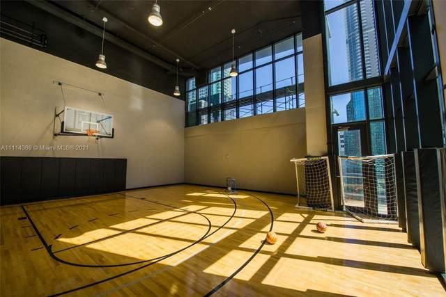 1010 Brickell Av #1811, Miami, FL 33131 (MLS #A11114369) :: Berkshire Hathaway HomeServices EWM Realty