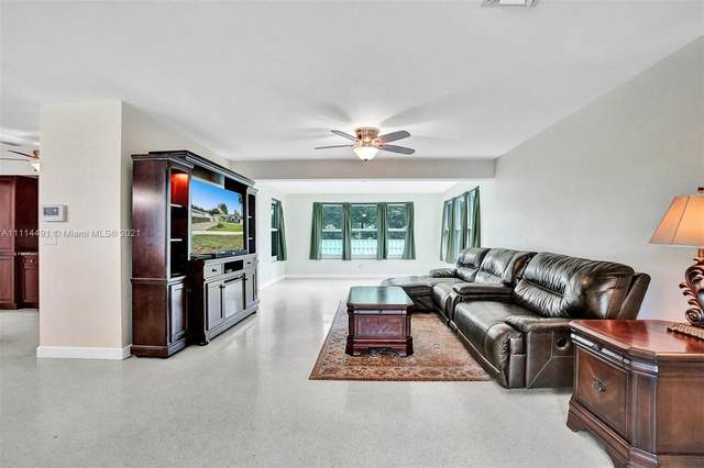 830 NW 8th Ave, Dania Beach, FL 33004 (MLS #A11114491) :: Green Realty Properties