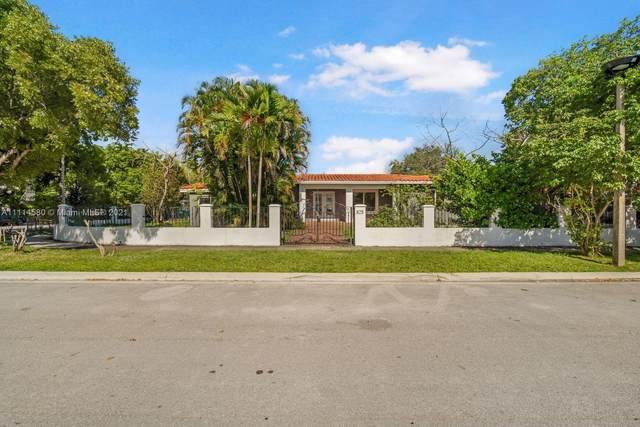 825 SW 28th Rd, Miami, FL 33129 (MLS #A11114580) :: Albert Garcia Team