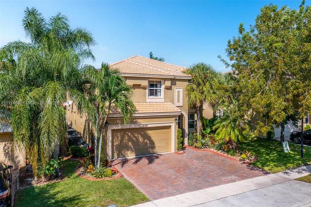 15681 SW 53rd Ct, Miramar, FL 33027 (MLS #A11114586) :: Green Realty Properties